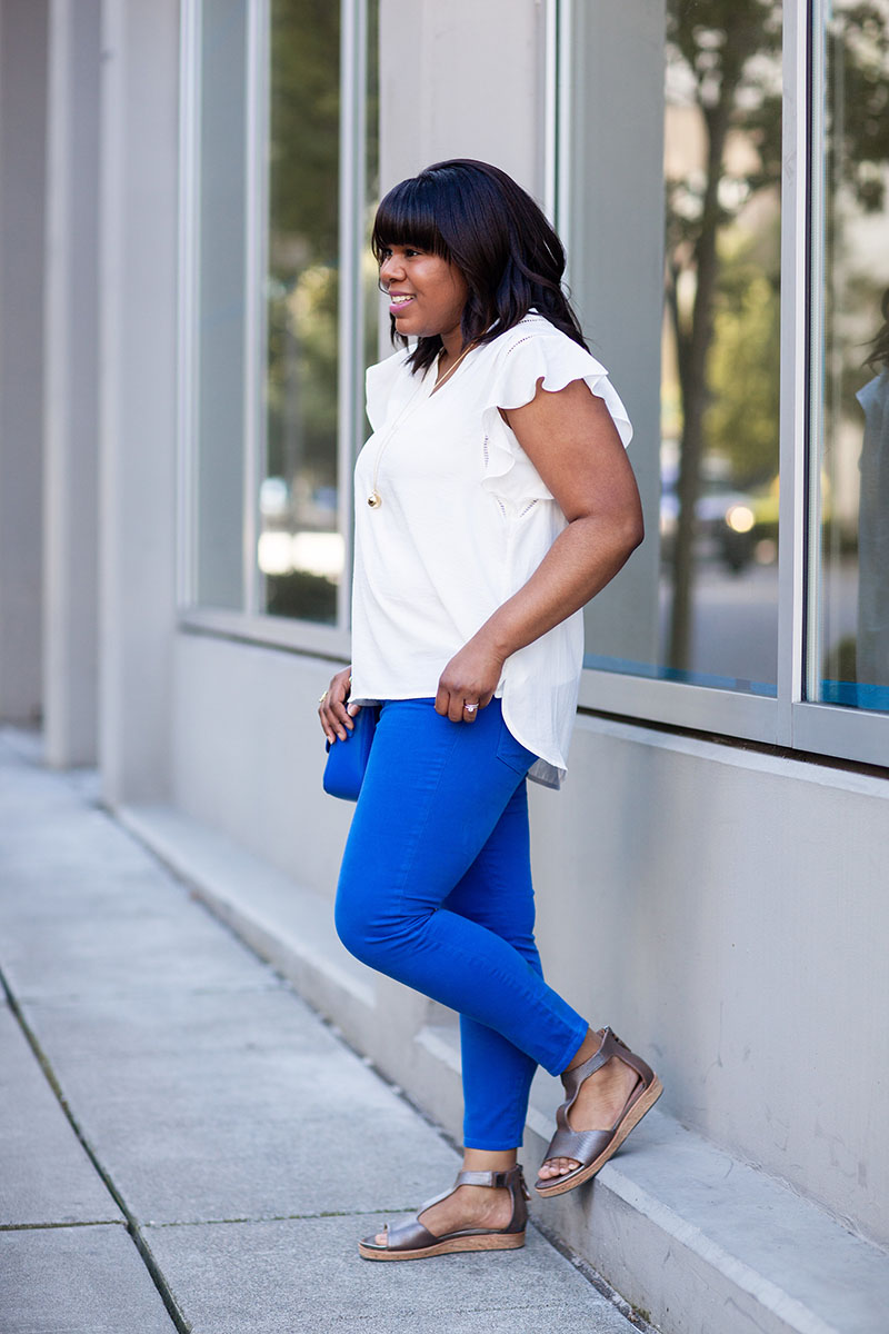 I have been a fan of the Toothpick jean by J.Crew for as long as I can remember. It's one of those classic skinny jean styles that never gets old: fitted through the hips and thigh, with a super skinny, ankle-length leg.