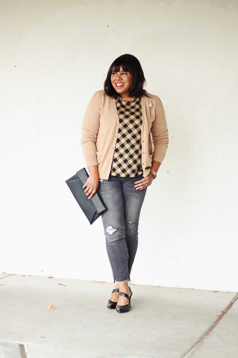 Last month I did a roundup of business casual looks with J.Jill, so this month I'm doing a roundup of transitional fall looks. If you missed the first post, be sure to check it out before your prep for fall!